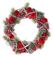 """Венок """"Розы"""" с декором из шишек и ягод 30 см"""