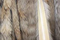 Мех на капюшон из енота 85 см
