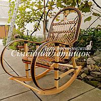 Кресло качалка из ротанга коричневая
