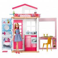 Портативный дом для куклы Барби с куклой в комплекте Barbie Mattel DVV48