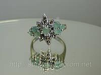 Оригинальное серебряное кольцо с молодым изумрудом