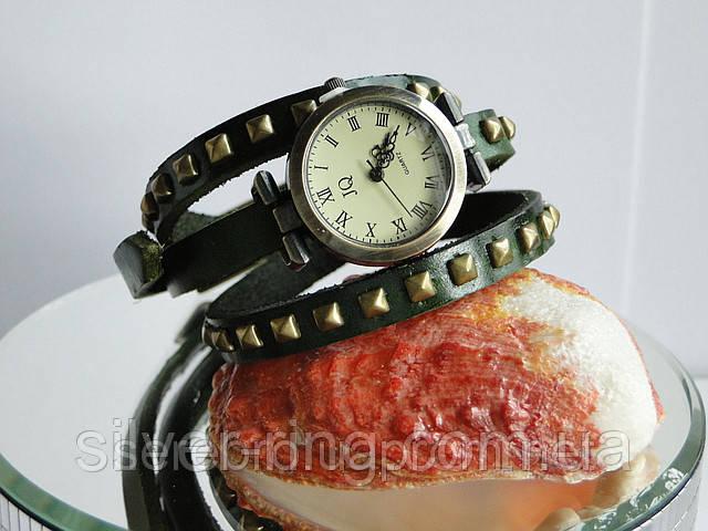 """Часы на кожаном ремешке   """"Зеленые"""""""