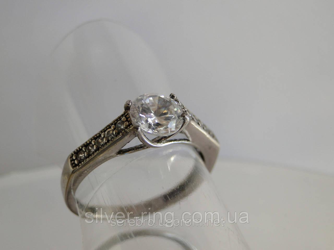 Нежное кольцо для девушки