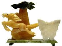 Статуэтка лошадь из нефрита, 180х170х70