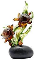 Статуэтка пара  черепах на водорослях