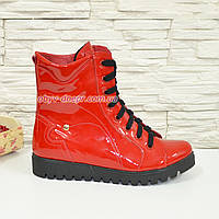 Женские демисезонные ботинки на шнуровке, красный лак. 36 размер