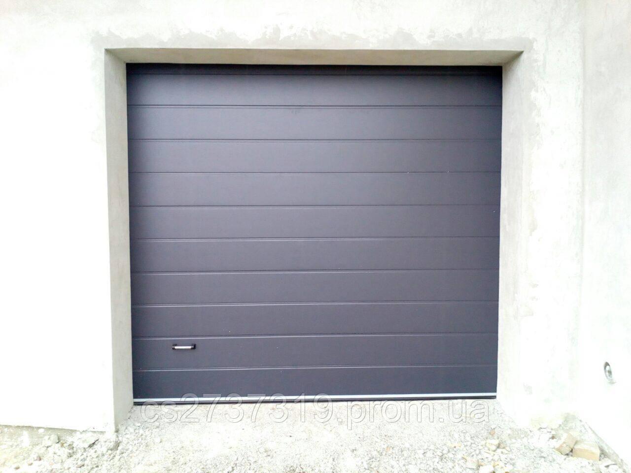 Гаражные секционные ворота  DoorHan 2900*2600