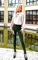 Костюм с джинсами и шифоновой блузкой бежевый/хаки