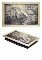 Деревянный поднос на подушке Корабль