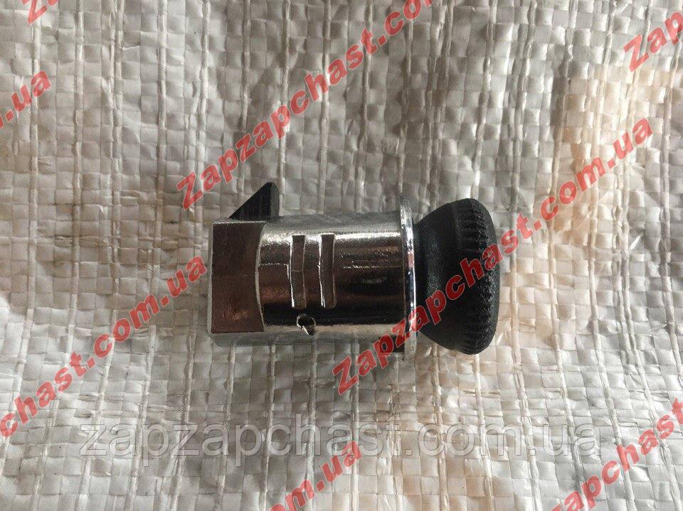 Защелка замка бардачка ваз 2104 2105 2107 метал ДААЗ завод