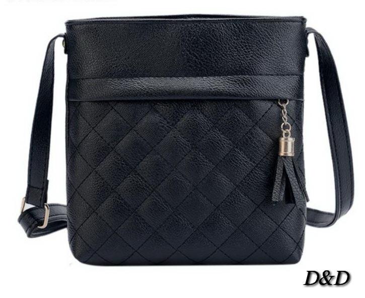 Жіноча сумка на плече чорна