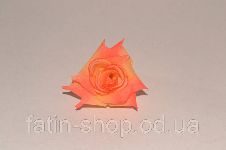 Декоративные цветы - Роза маленькая