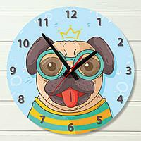 """Настенные часы в детскую - """"Мопс в очках"""" (на пластике)"""