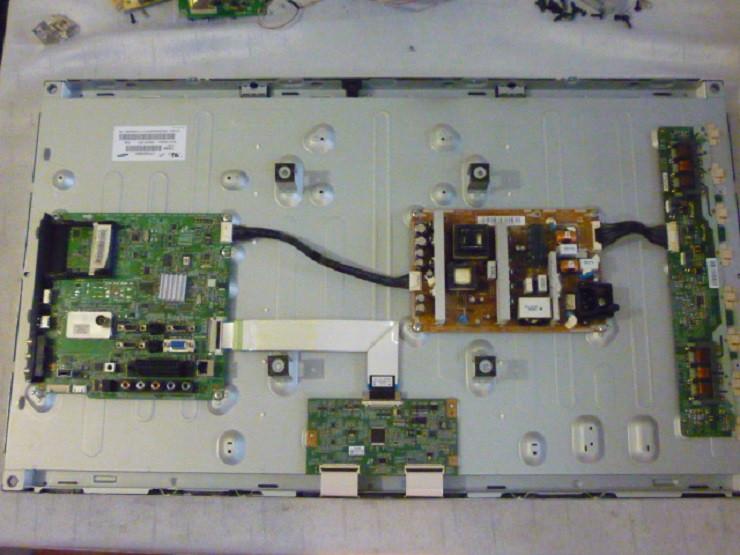 Платы от LCD TV Samsung LE32C550J1WXUA   поблочно, в комплекте (нерабочая матрица).