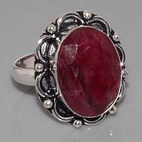 Красивое кольцо - индийский рубин в серебре.