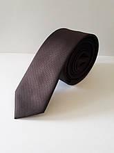 Узкий коричневый галстук