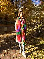 Шарф из вискозы в разноцветные перья