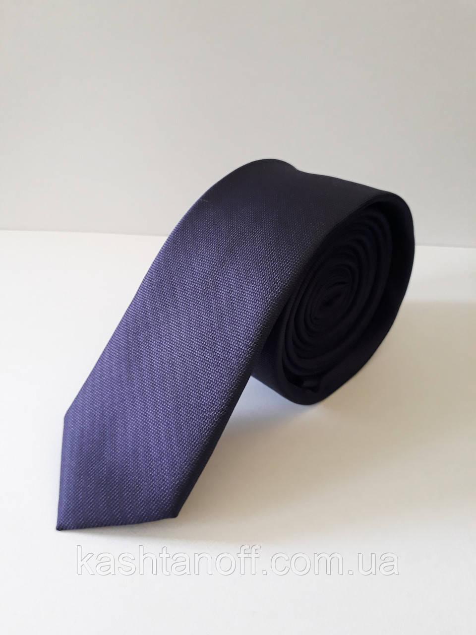 Узкий фиолетовый галстук