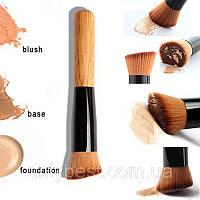 Универсальная косая кисть для макияжа