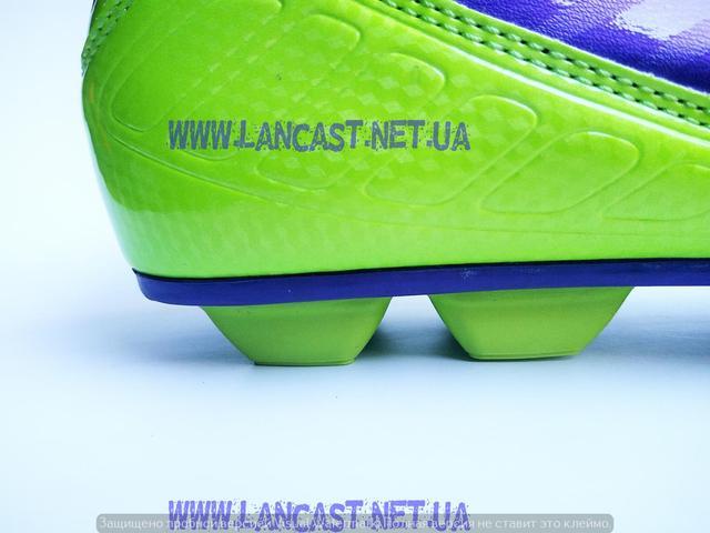 Футбольная обувь Lancast