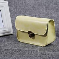 Женская сумочка через плечо на цепочке бежевая, фото 1