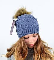 Женская вязанная шапка с помпоном из искусственного меха