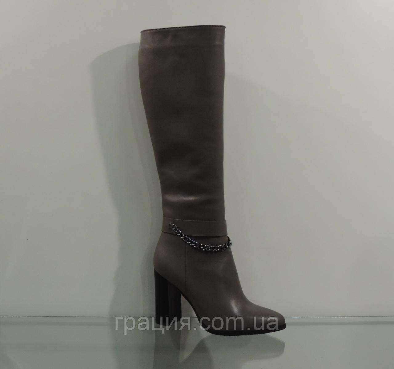 Элегантные женские кожаные зимние сапоги на каблуке с цепочкой 5b5a7993fd846