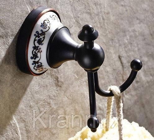 Крючок для ванной черный керамика