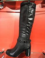 Зимние сапоги с натуральной кожи чёрного цвета. Внутри цигейка