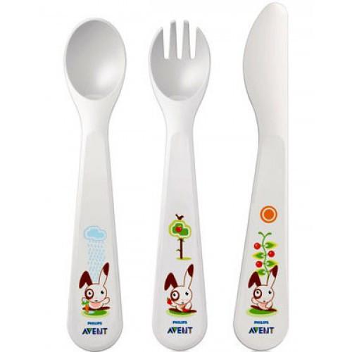 Ложечка, виделка та ніж для самостійного споживання їжі малюком