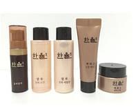 Набор омолаживающий по древним рецептам с женьшенем и Шиитаке HANYUL Baek Hwa Goh Young Skin 7+5+18+18+5мл, фото 1
