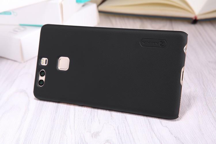 Чехол Nillkin для Huawei P9 Оригинал + пенка!