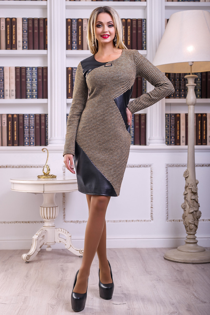 Стильное черно-коричневое платье со вставками из эко-кожи