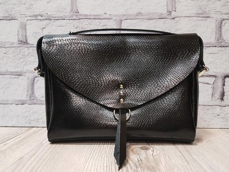 d30f56af65c5 Сумка женская через плечо натуральная кожа черная глянцевая рептилия 1702 -  Интернет-магазин