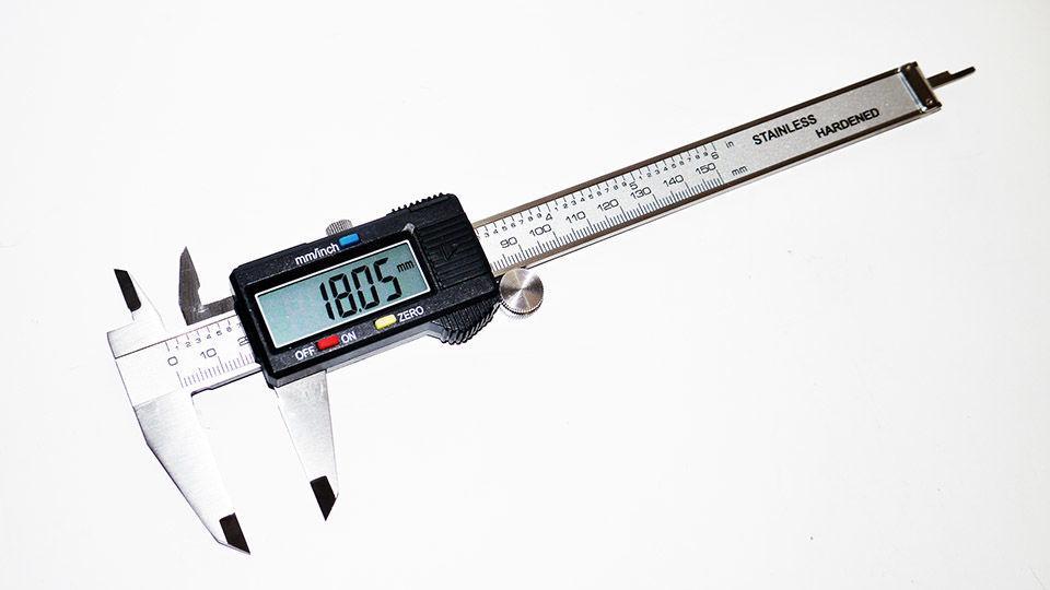 Электронный штангенциркуль Digital Caliper с LCD микрометр в кейсе штанген циркуль