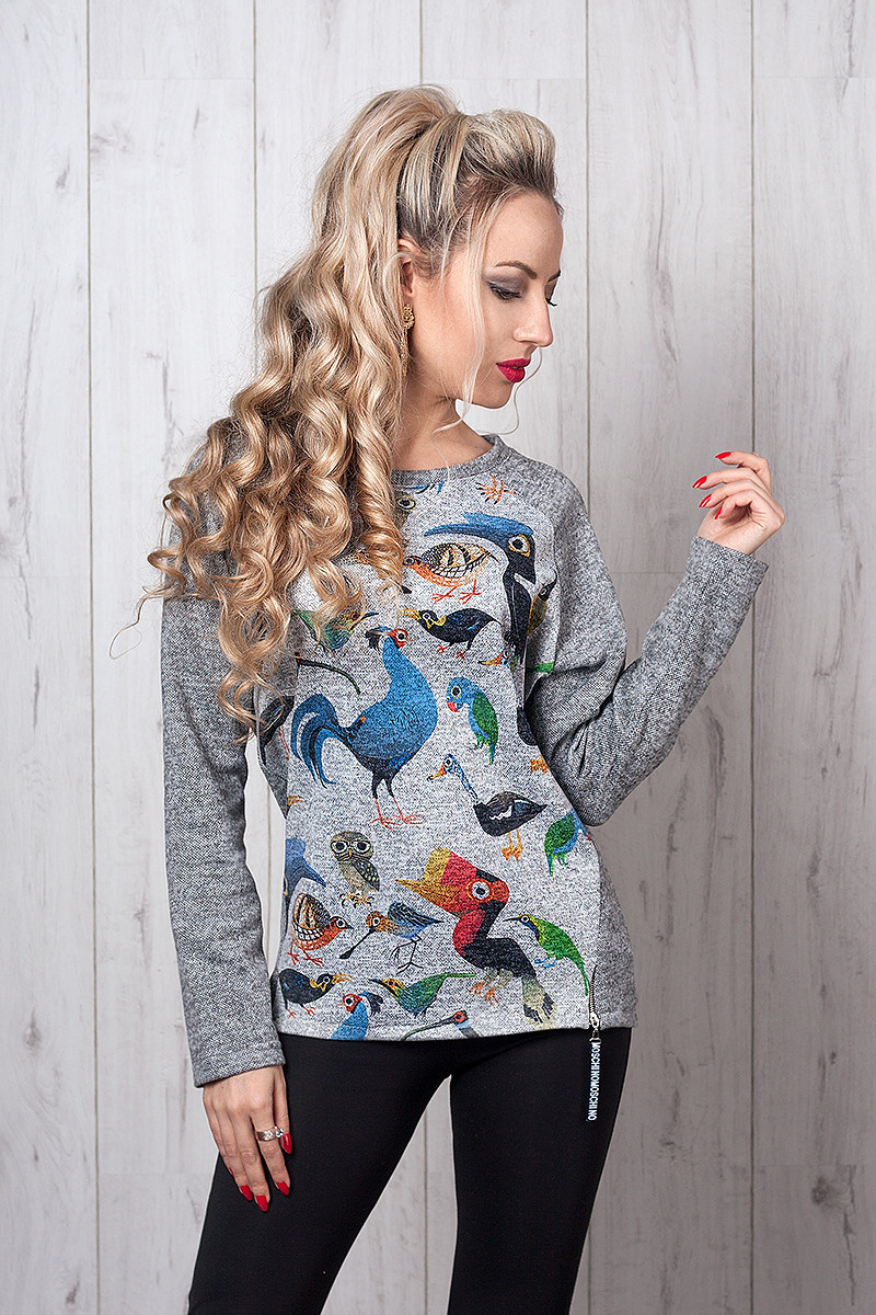 Стильная женская кофточка с принтом птички