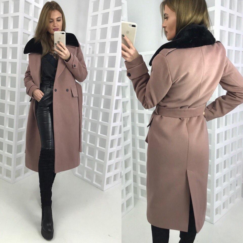 c9f3285b982 Зимнее удлиненное пальто классического стиля с мехом на воротнике 580228