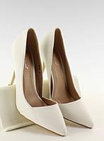 Белые женские туфли на шпильке асимметричные Ontaria
