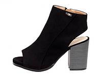 Черные женские босоножки на устойчивом каблуке Nanna