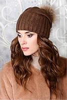 Женская шапка Дайон с натуральным помпоном енота на флисе