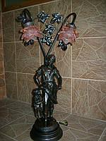 Настільна лампа-статуетка (3682), Броди