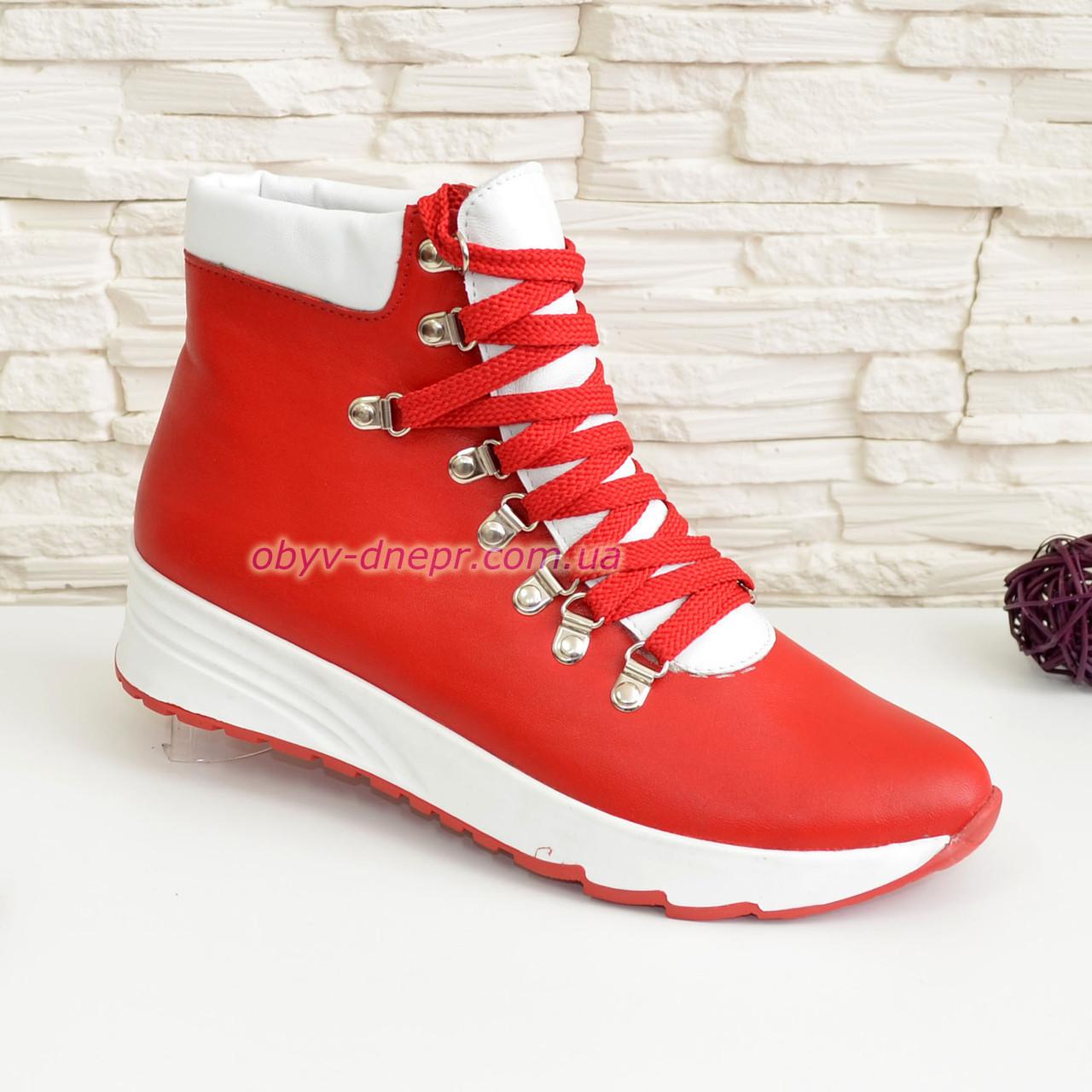 Ботинки женские спортивные кожаные зимние на шнуровке, цвет красный.