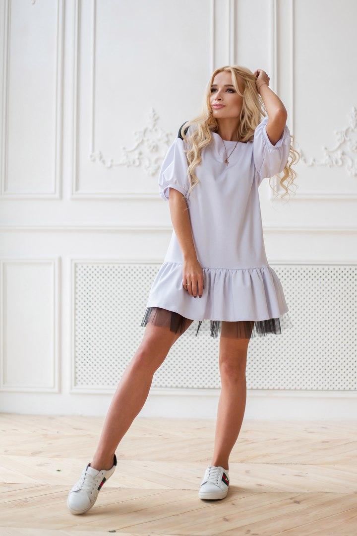 Платье из ткани джерси со вставками из фатина.