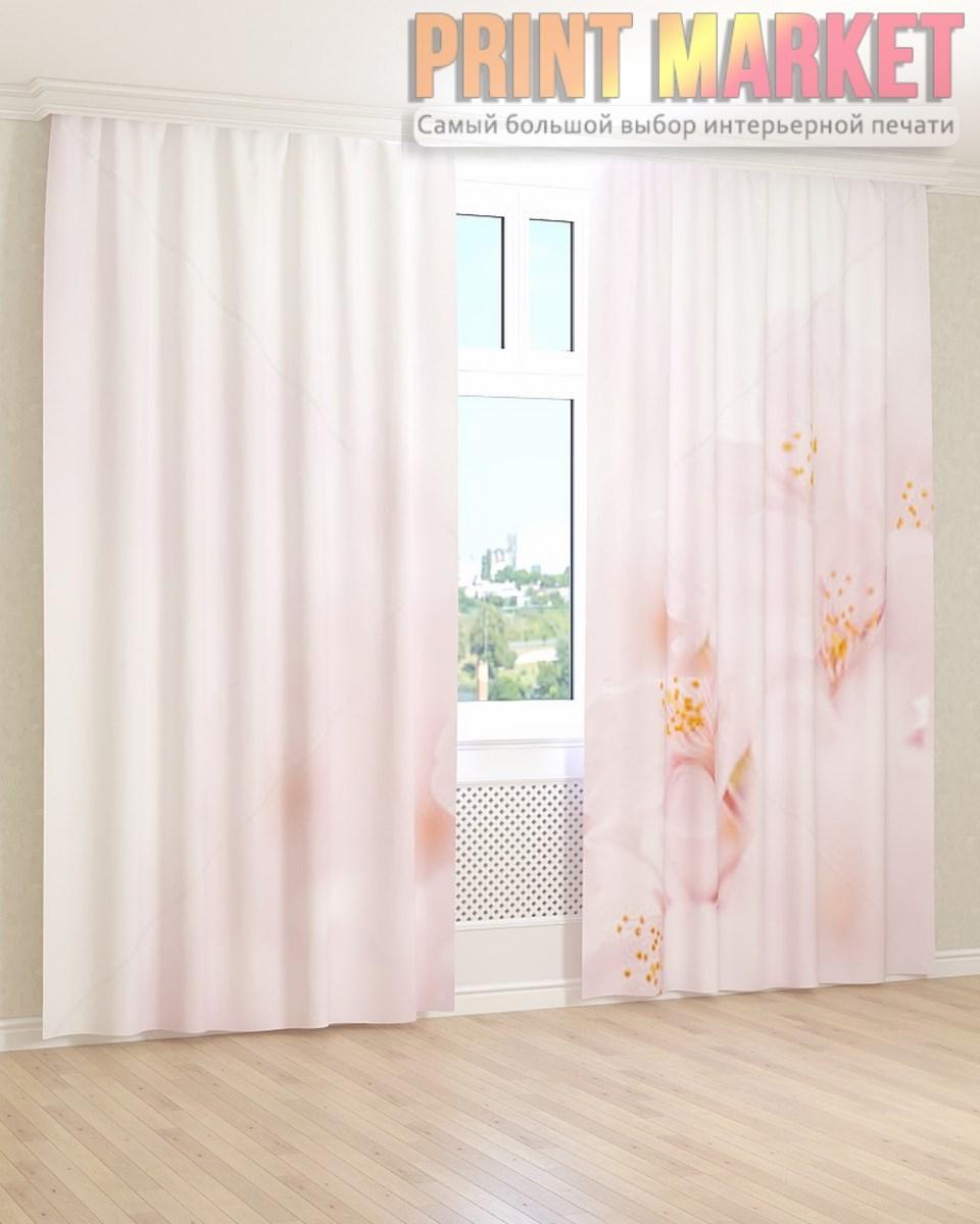 Фото шторы цветы на нежно-розовом фоне