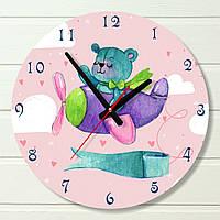 """Настенные часы в детскую - """"Мишка на самолете"""" (на пластике)"""