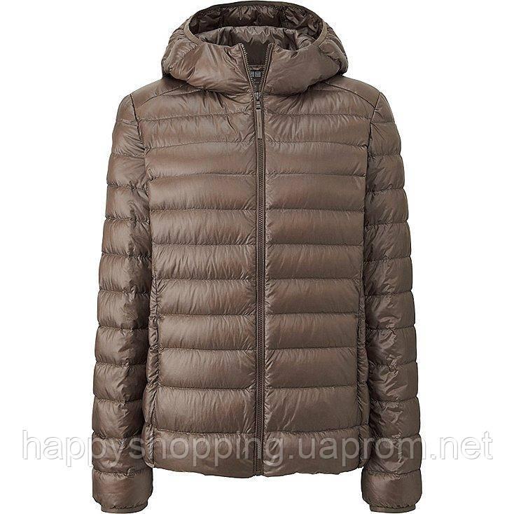 Женская бежевая легкая куртка на пуху с капюшоном  ultra light down осень/весна Uniqlo (пакуется в мешочек)