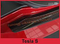 Защитная накладка на задний бампер с загибом и бортиком на Tesla Model S Liftback сталь+carbon red 2012-2017