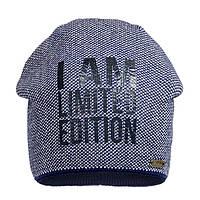 Хлопковая шапка с надписью синего цвета