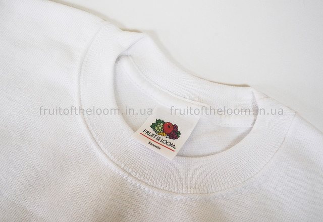 Белый детский классический свитер