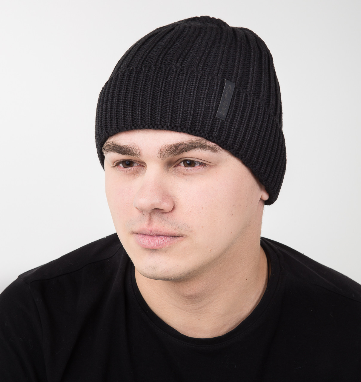 Зимняя вязаная мужская шапка на флисе черного цвета - Арт AL17022